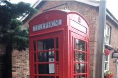 Town Council refurbishes telephone box