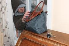 Warning not to leave keys visible following a number of recent burglaries