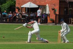 Cricket: Last ball agony prevents perfect weekend for Lindow