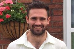Cricket: Lindow stay top
