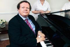 International concert pianist to perform in Wilmslow