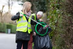 MP joins volunteers to clean up Wilmslow