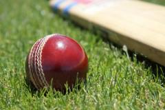 Cricket: Win keeps Lindow top of the league