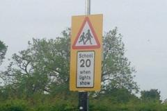 New advisory 20mph speed limit outside primary school