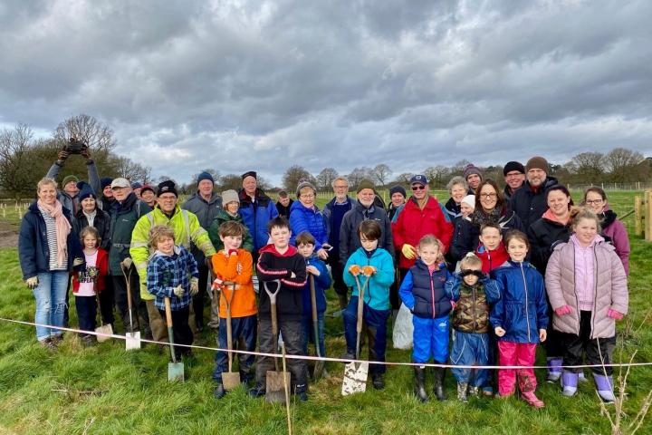 Tree planting group 220